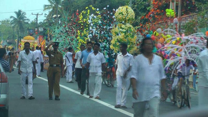 Ein Straßenumzug in Sri Lanka